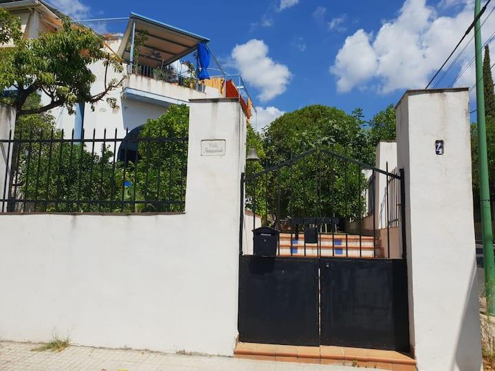 Casa/piscina, aire acondicionado aparc. en puerta