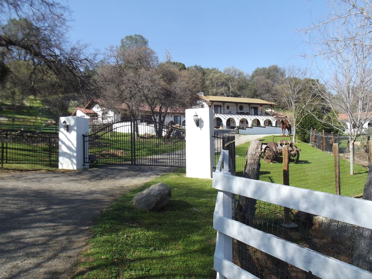 Stay at our beautiful private ranch on 5 acres in a king size bed