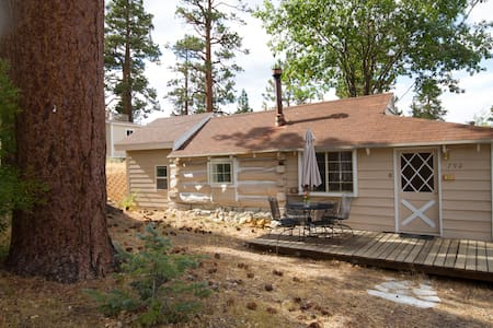 Historical Cabin Steps to Village - Big Bear Lake