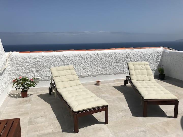 Panoramic ocean views, amazing terrace