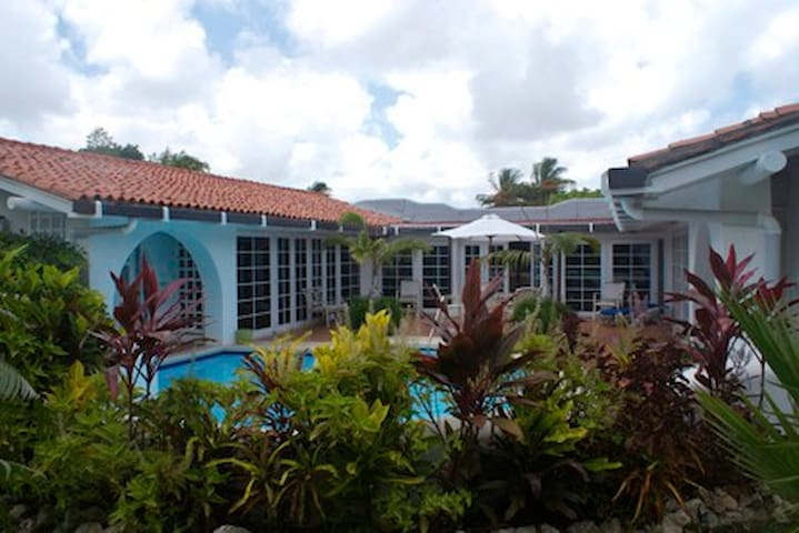 Villa Lapaz, Sunset Ridge, St James