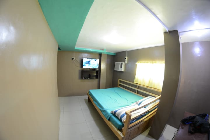 Small Room along National Road, Talisay City