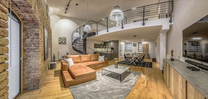 ★ Your Instaworthy Loft Apartment ★ | 2BDRM@BP