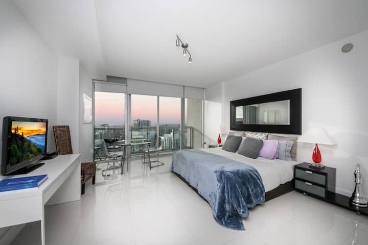 Stunning Brickell Studio Apt w/ Breathtaking Views