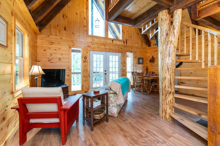 Pet-Friendly - Romantic Hideaway - Pine Point - Red River Gorge, KY!