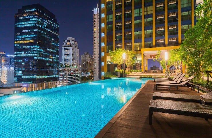 MRT/ARL零距离 高层夜景 顶楼空中花园 超大泳池 中文房东