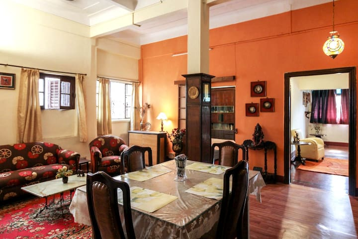 Beautiful heritage apartment at prime location