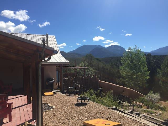Taos-El Nido Cozy Mountain Cabin
