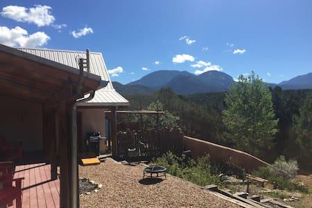 Taos-El Nido Cozy Mountain Cabin - El Prado - Haus