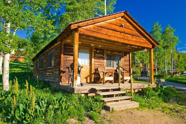 Merchant Cabin - Near Steamboat Lake