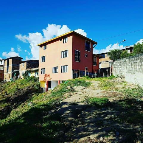 Apartaestudios Los Girasoles - Guatape - Byt
