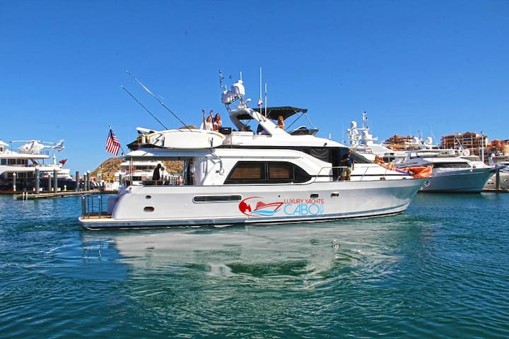 70' Queenship Luxury Yacht in Cabo San Lucas