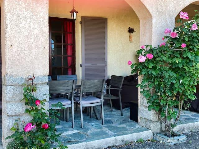 Chambre dans maison, pt déj offert - Borgo  - Dom