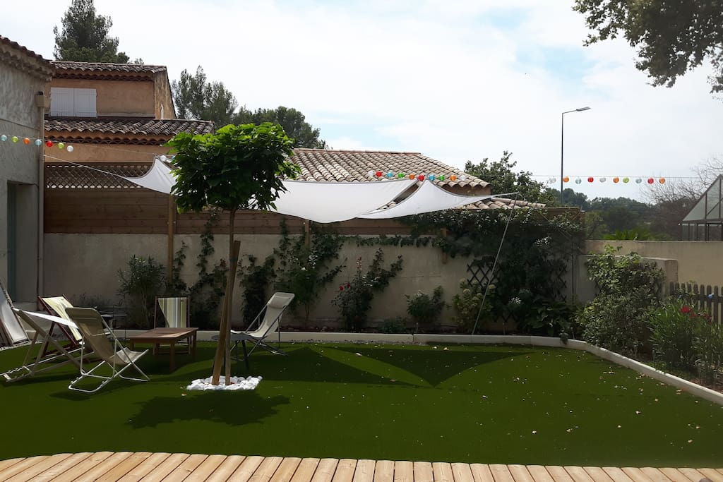 Jardin coté piscine
