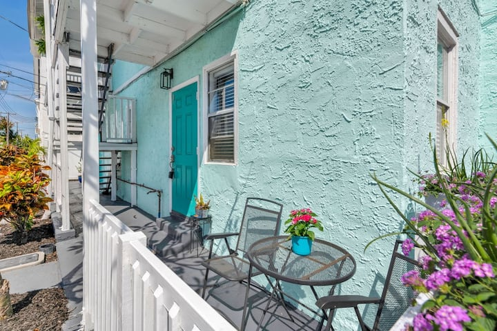 Apartment, near Downtown with great walkability!!