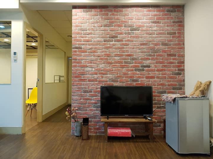 5mins MRT Spacious Stylish 4 bedroom Taipei Center