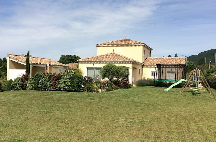 Independant appartment in quiet countryside near - Portes-en-Valdaine - Villa