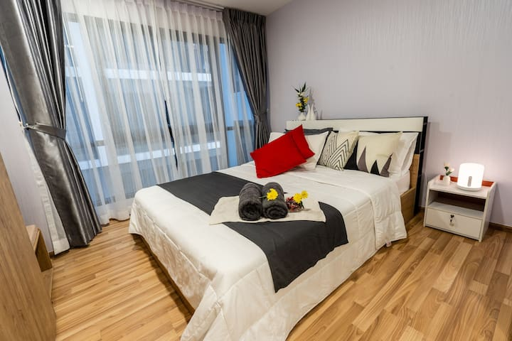 Beautiful Cozy condo close to BTS Punnawithi