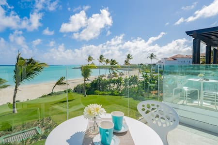 Luxurious Beachfront Studio at Cap Cana for two