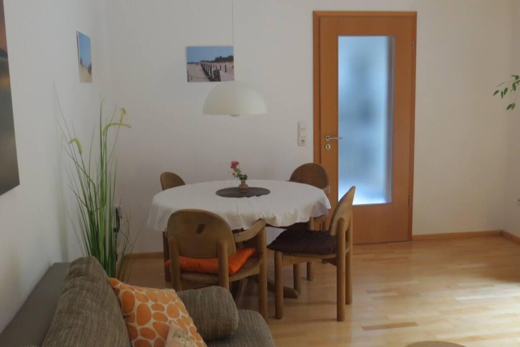 Essecke im Ess-/ Wohnzimmer