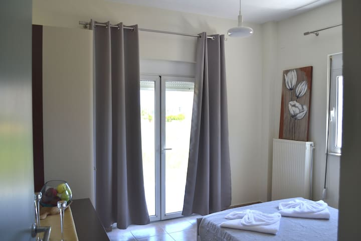 Seaside Vacation House 1 min from Sea, Rennovated