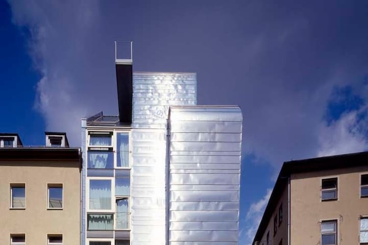Miniloft Mitte Apartment Hotel: Introverted studio
