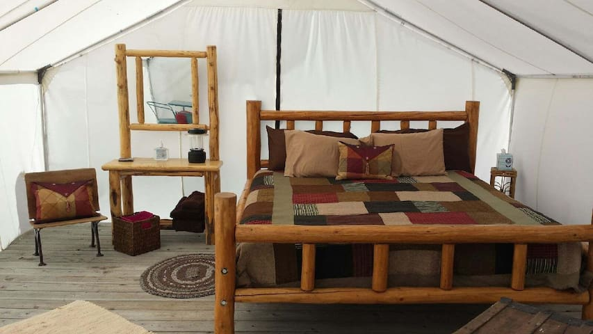 Glamping with a mountain view - Enterprise