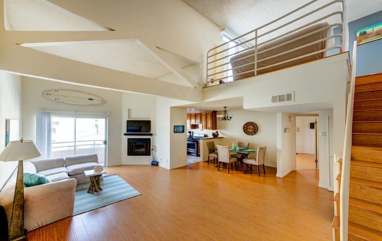 Beach House Loft Duplex, Priv Bath - Santa Monica - Apartment