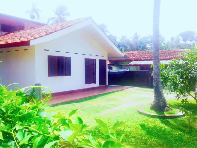 private room in sanithu home stay