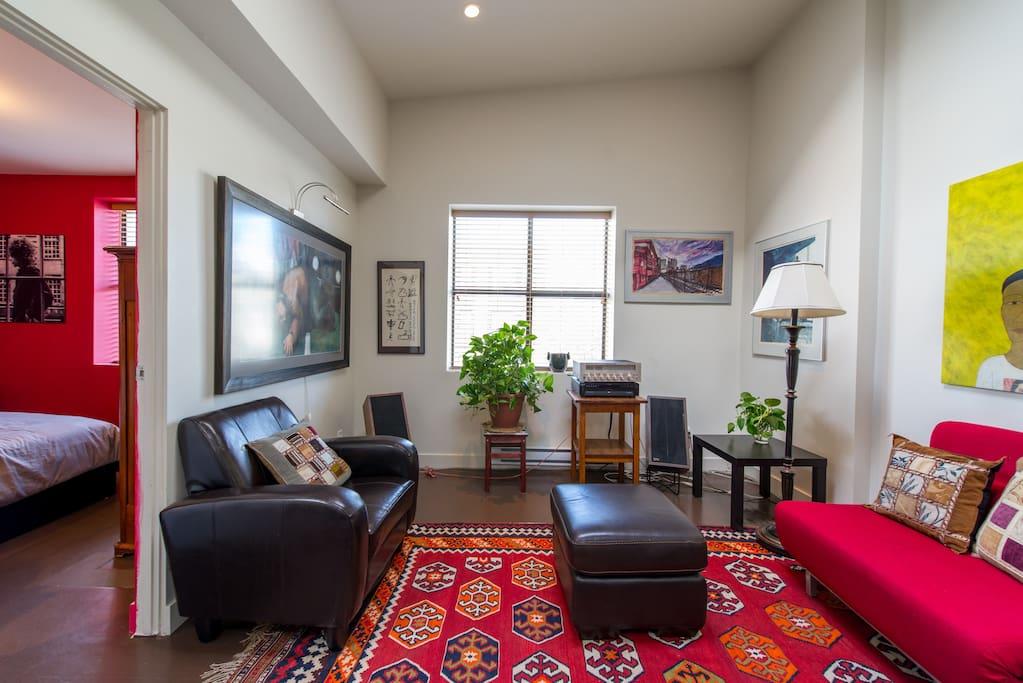artistic space close to gastown wohnungen zur miete in. Black Bedroom Furniture Sets. Home Design Ideas