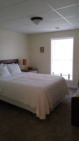 Golf Mountain View Lower level Apartment - Franklin - Apartment