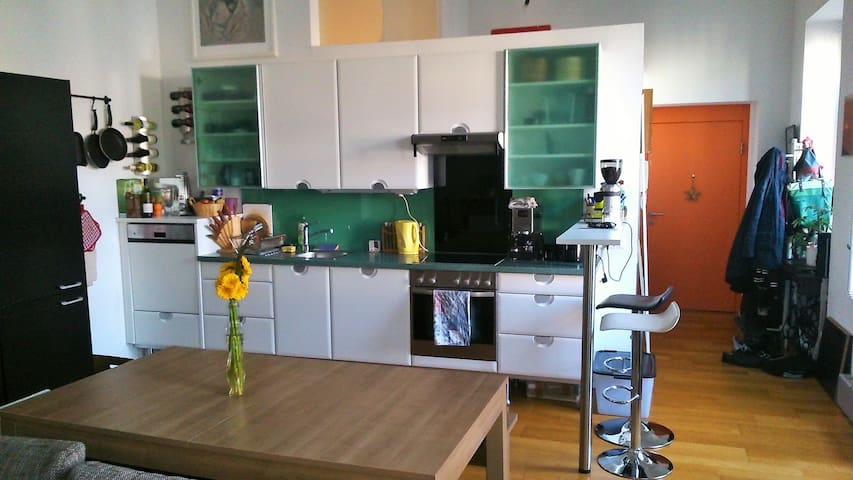 cosy loft 10min to city center - Wenen - Appartement