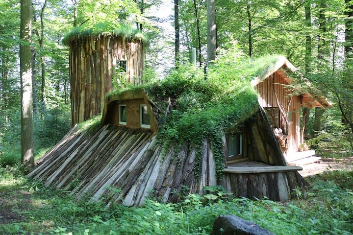 Hobbitschlösschen inmitten der Natur