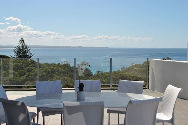 Penthouse Apartment Forster - Stunning Ocean Views