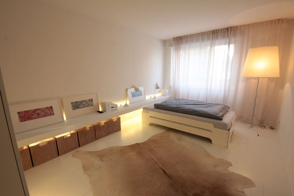 Sleeping room with 2 beds that can be separated
