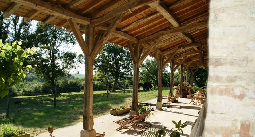 Les Granges Neuves -  Ch d'hôtes - Ferme rénovée - Confrançon - Bed & Breakfast