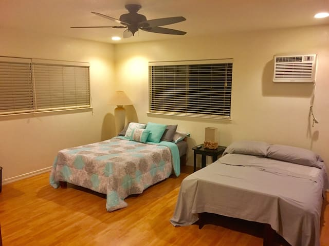 Spacious, quiet, cozy, hot tub - Waipahu - Haus