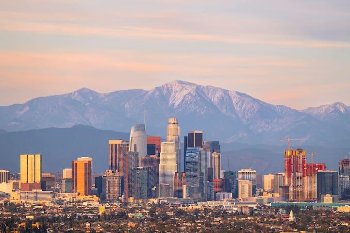 Luxury Artist Loft with Skyline + Mountain Views