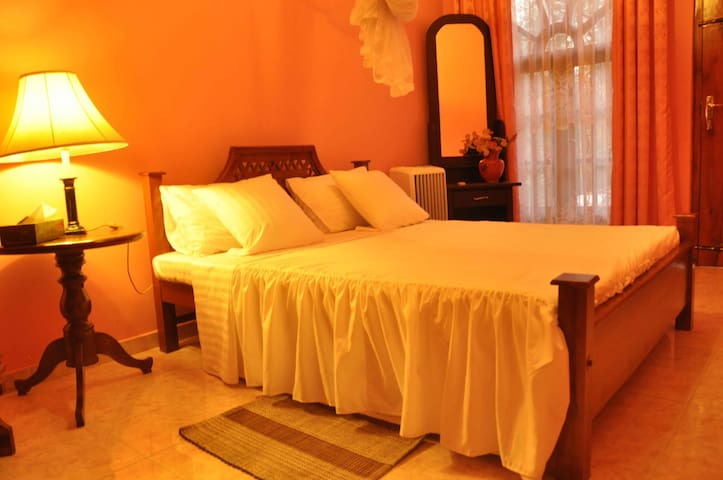 Familly Room (4 guest)  -  Kandy - Villa