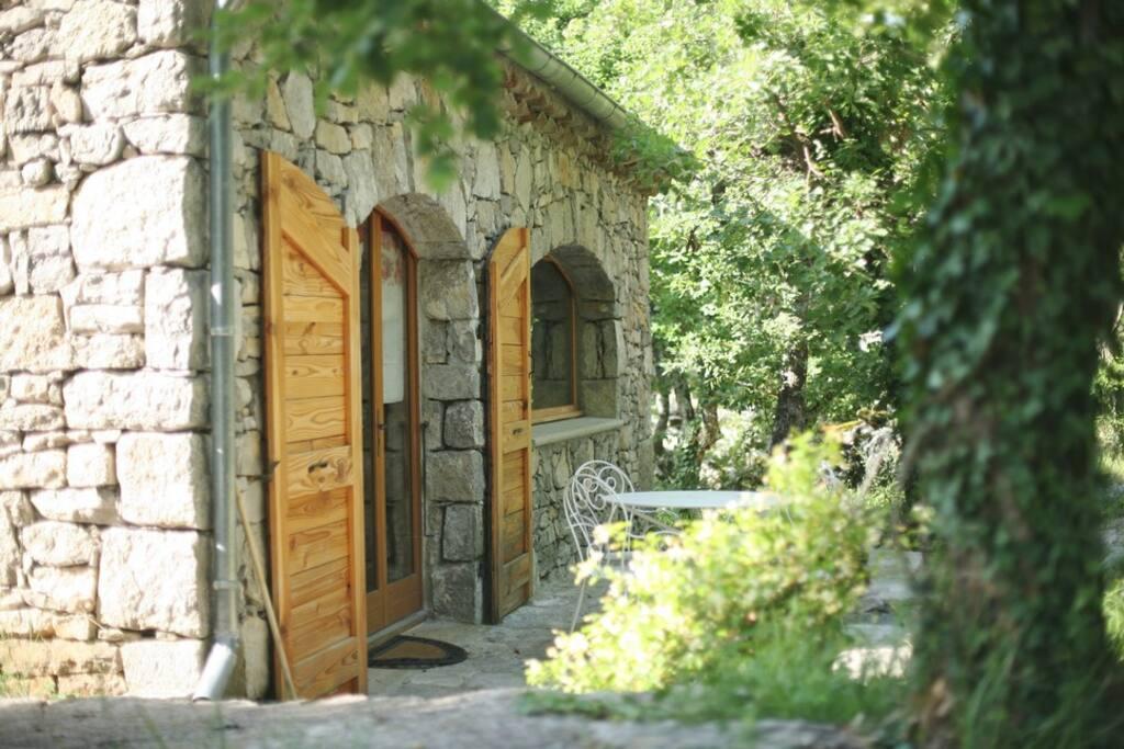 Le Loft, (5/6 pers.) Maison d'architecte dans décor total végétal.
