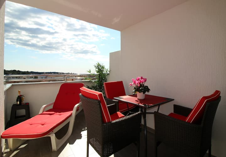 Charming apartment Vista 3, near town center