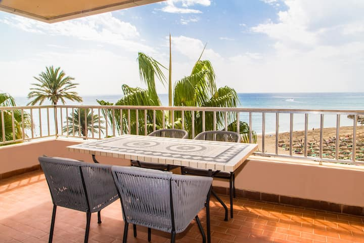 Great views Frontline beach Marbella Centre RDR189