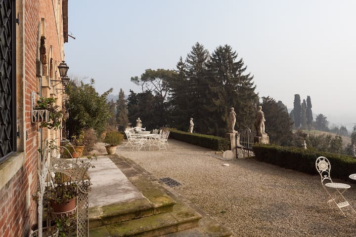 Top floor with view near Vicenza - Creazzo - Slott
