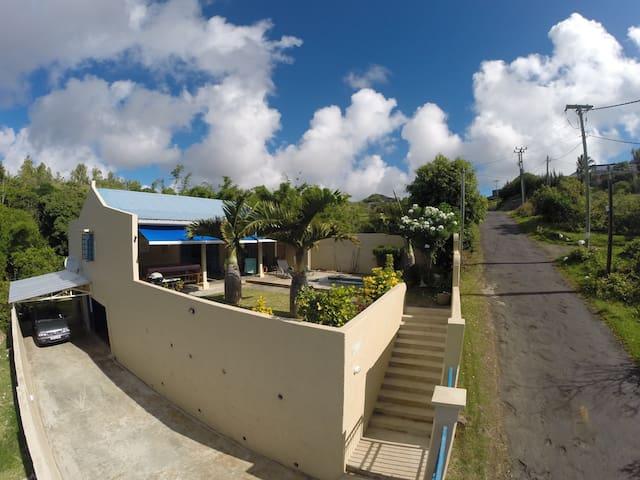 RESIDENCE NOULAKAZ spacious villa with ocean view.