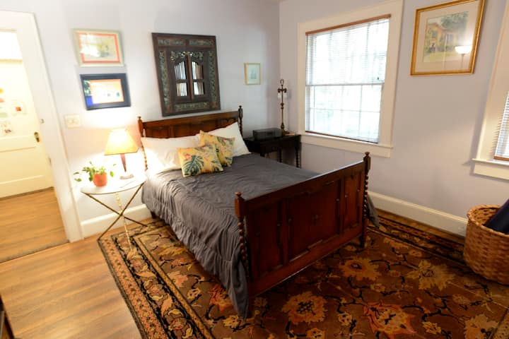 Guest room, amazing Oakhurst. No-contact check-in