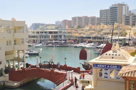 Puerto Marina first line (A53)