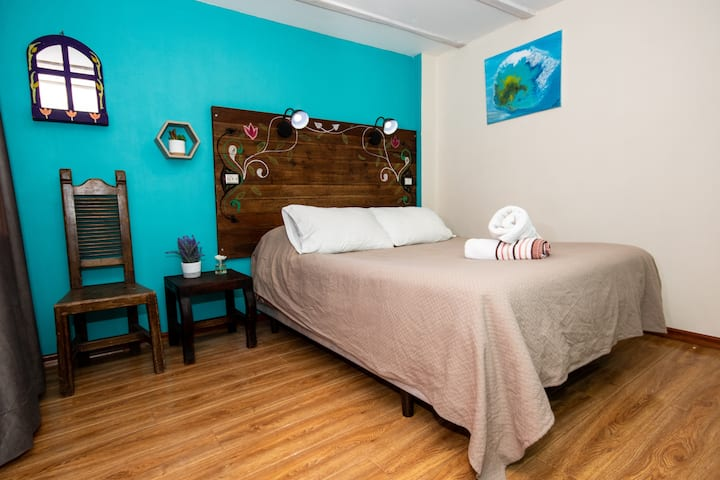 Double room shared bath The Secret Garden Quito