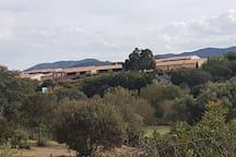 La résidence vue de la plage de Lozari
