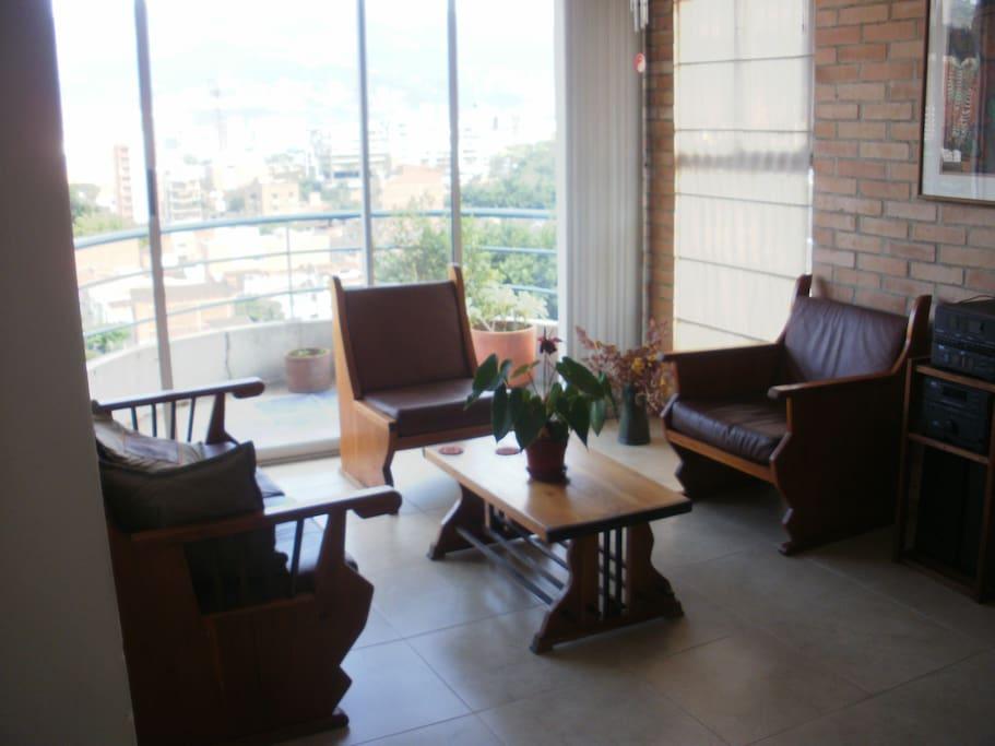 sala y balcon