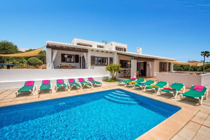 Villa Biniaida: Large Private Pool, Walk to Beach, A/C, WiFi